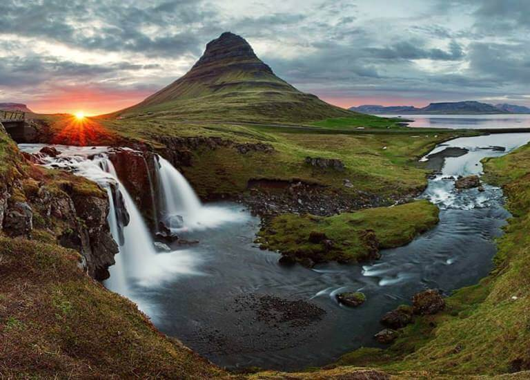 0002-gallery-iceland-waterfall-1_768x550_acf_cropped