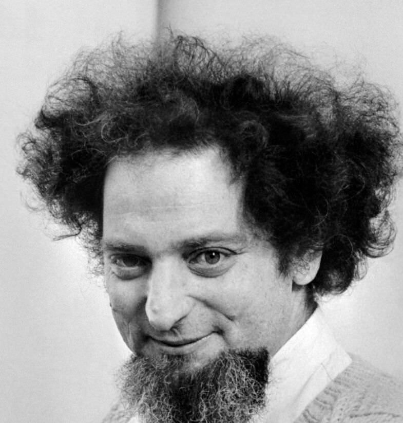 PEREC-GEORGES_785x823_acf_cropped